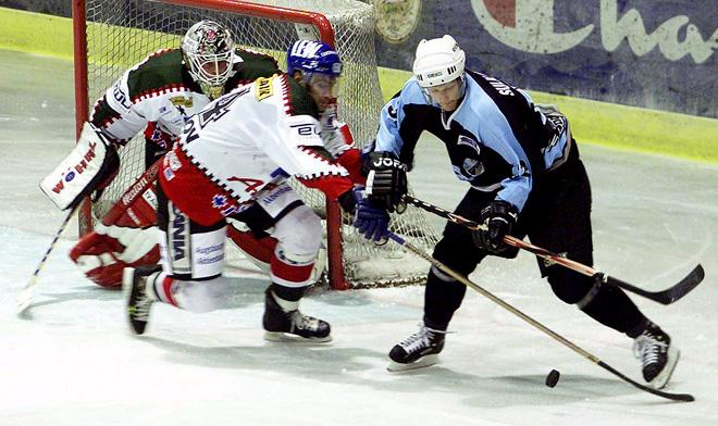 """Максим Галанов (в центре) в """"Аугсбурге"""", 2002 год"""