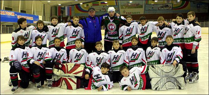 Александр Комаров и его команда