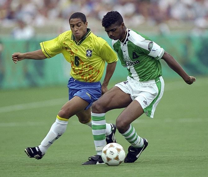 Июль 1996 года. Футбольный турнир Олимпийских игр в Атланте. Нванкво Кану и Роберто Карлос