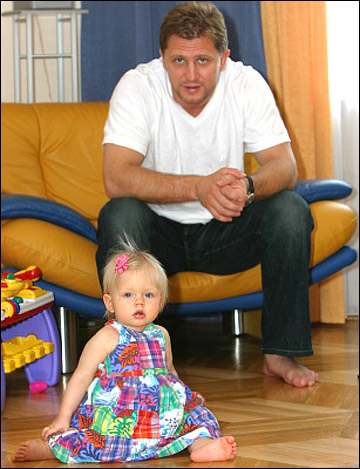 Руслан Салей с дочерью