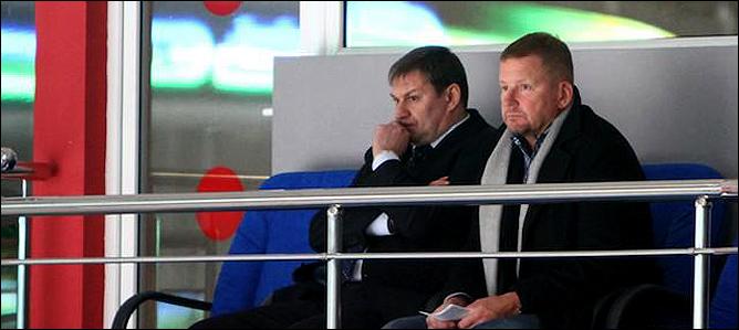 """Генеральный менеджер """"Салават Юлаева"""" Олег Гросс и гость клуба Кари Хейккиля."""