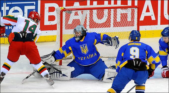 Павел Ячник в воротах сборной Украины