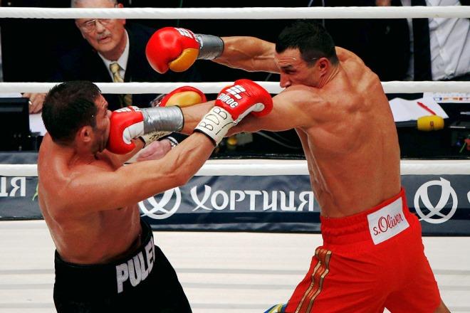 По ходу поединка Кличко несколько раз отправлял Пулева в нокдаун