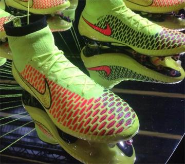 Nike и Иньеста представили новую модель бутс Magista