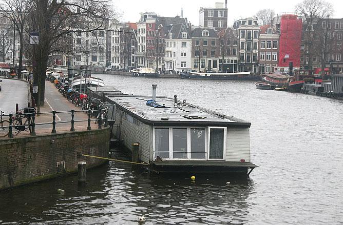 Многочисленная каналы — визитная карточка Амстердама