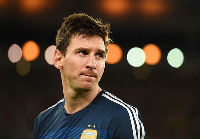 Приз лучшего футболиста чемпионата мира — 2014 эмоций у Месси не вызвал