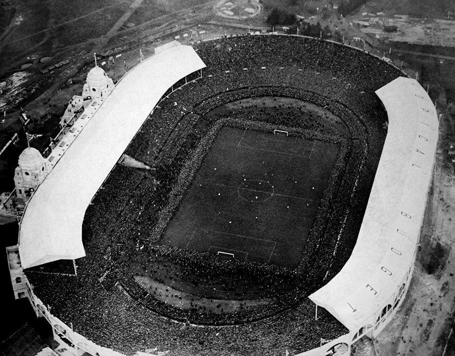 Стадион финала Евро — сердце футбола. Как спасли, снесли и заново построили «Уэмбли»