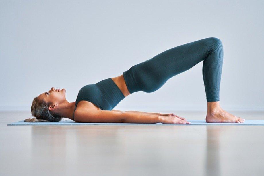 Пилатес в домашних условиях, упражнения для начинающих, лучшие комплексы тренировок для спины и похудения