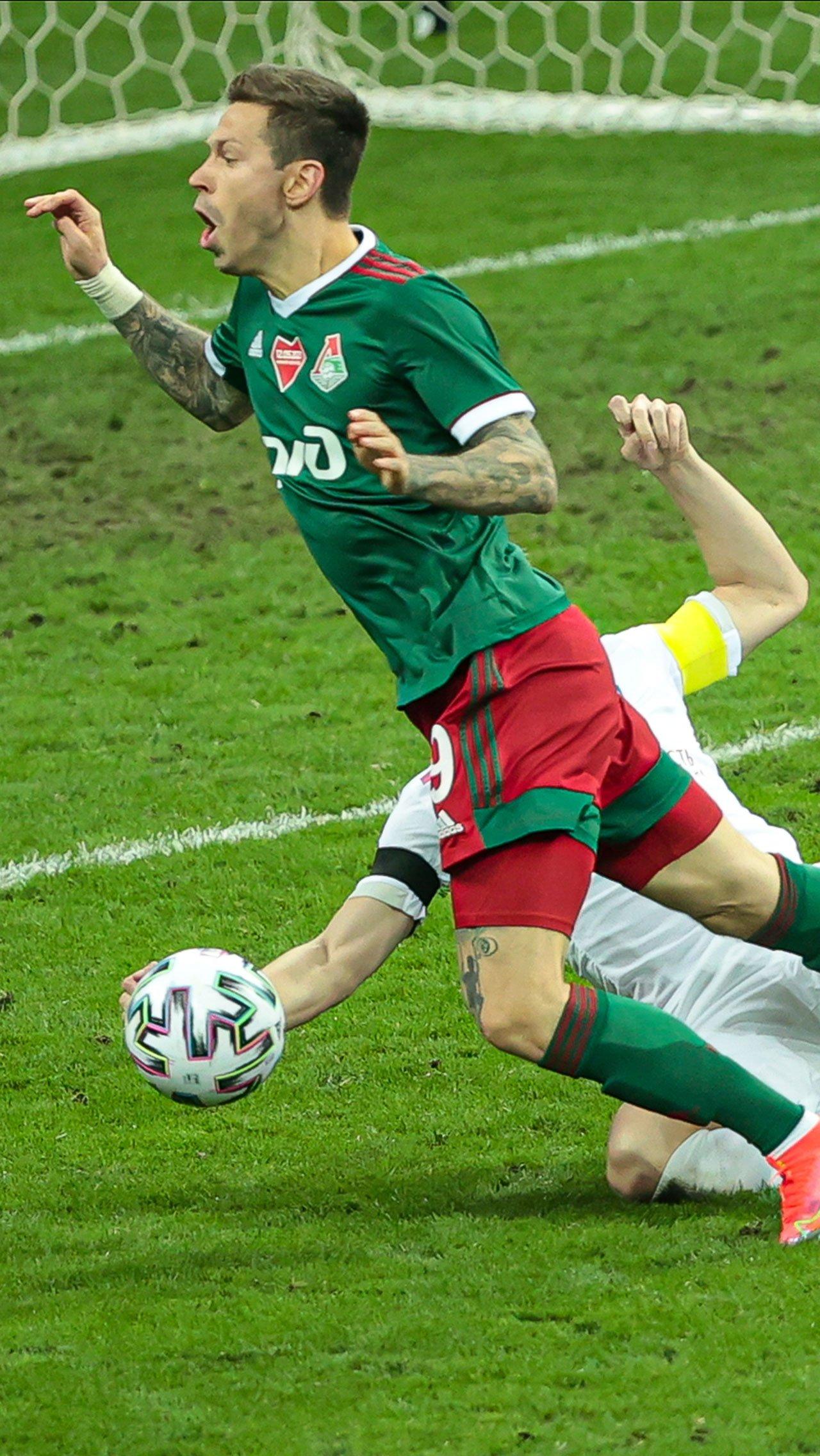 Исход матча решил Фёдор Смолов, который вывел «Локо» вперёд, забив с пенальти.