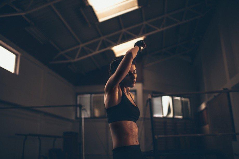 Как убрать ушки на бёдрах, упражнения для зоны галифе в домашних условиях, как быстро избавиться от ушек