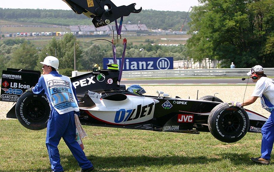 Позорная страница в истории Формулы-1. Дебют 42-летнего израильтянина обернулся фарсом