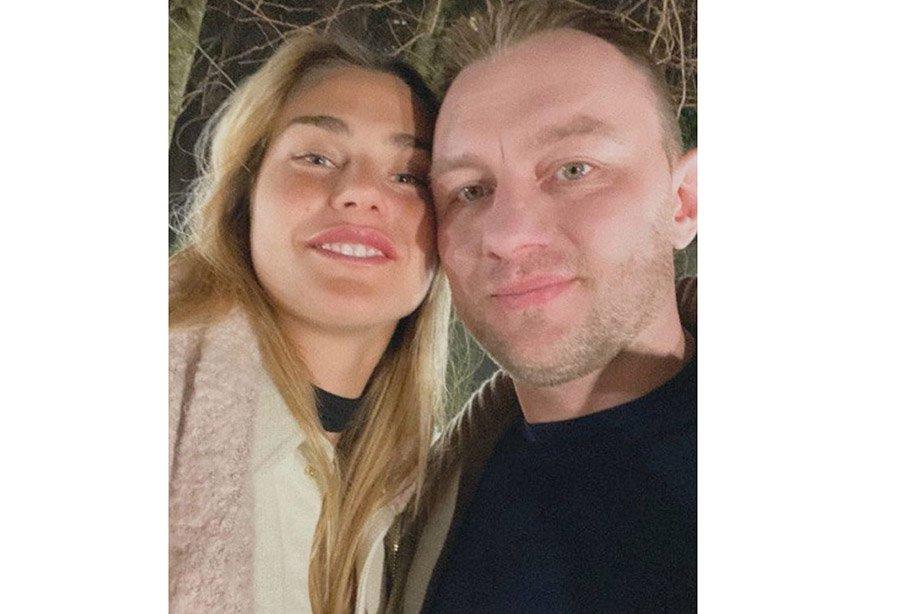 Арина Соболенко и хоккеист Константин Кольцов стали выкладывать в сеть совместные фото с намёком на отношения