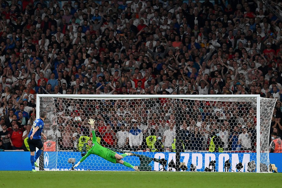 В финале Евро была невероятная серия пенальти! Давайте переживём её ещё раз