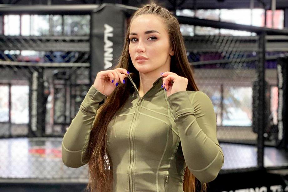 Лучшая девушка-боец апреля в Bellator просит у фанатов денег на жизнь. Как такое возможно?