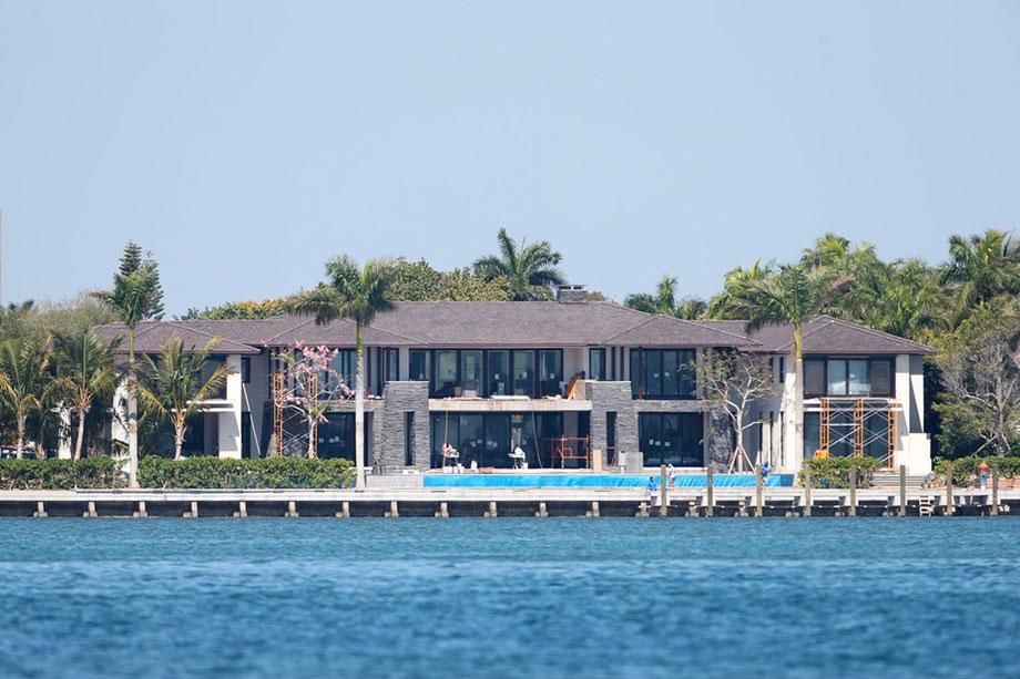 Как живут Анна Курникова, Энрике Иглесиас и их дети в особняке в Майами с видом на залив за $ 26 млн, фото-, видео