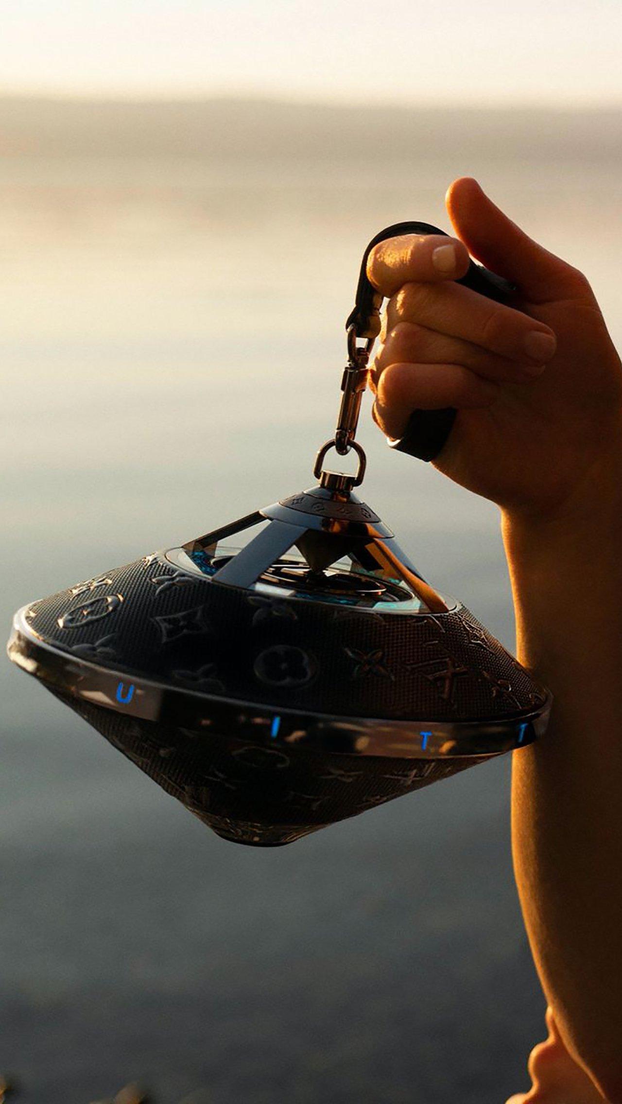 Колонка Louis Vuitton за 215 тысяч рублей выглядит как оружие из BioShock