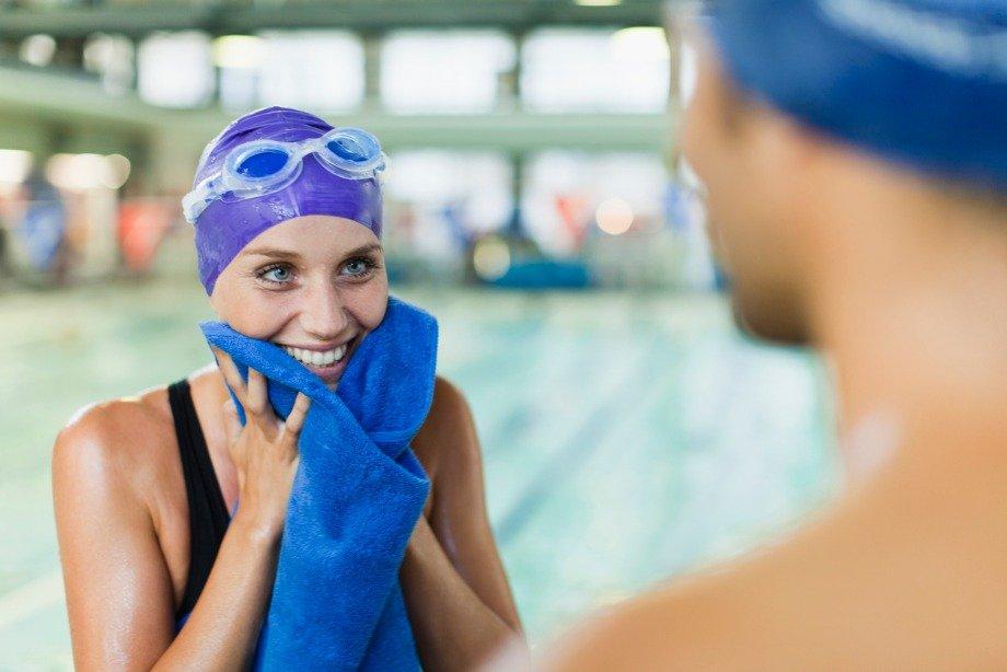 Что нужно взять с собой в бассейн: чек-лист для занятий плаванием