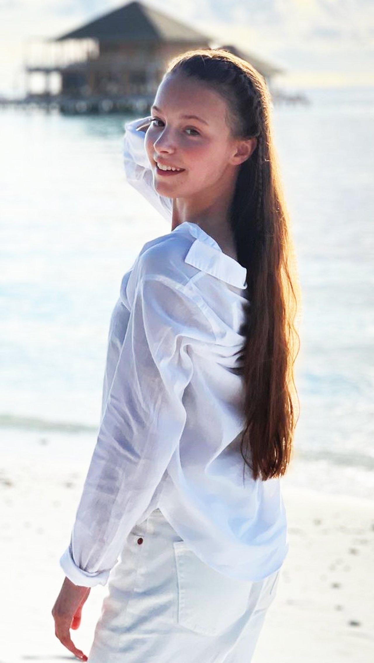 Анна Щербакова буквально светится от счастья во время долгожданного отпуска.