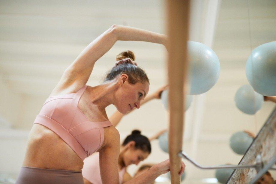 Что такое «медленный фитнес»: почему пилатес и барре так же эффективны, как и интенсивные тренировки
