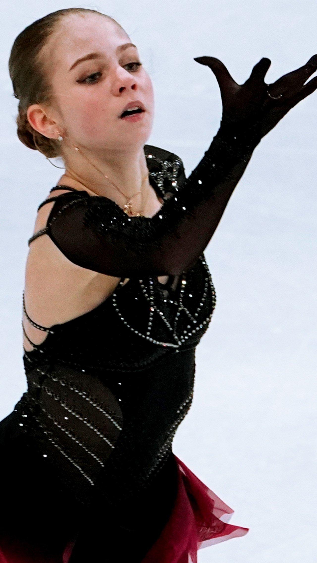 Александра Трусова вернулась от Плющенко к Этери Тутберидзе. За сезон под началом Евгения Саша завоевала бронзу чемпионатов мира и России.