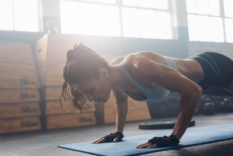 Кроссфит: комплекс упражнений для начинающих и продвинутых, программа тренировки для мужчин и девушек