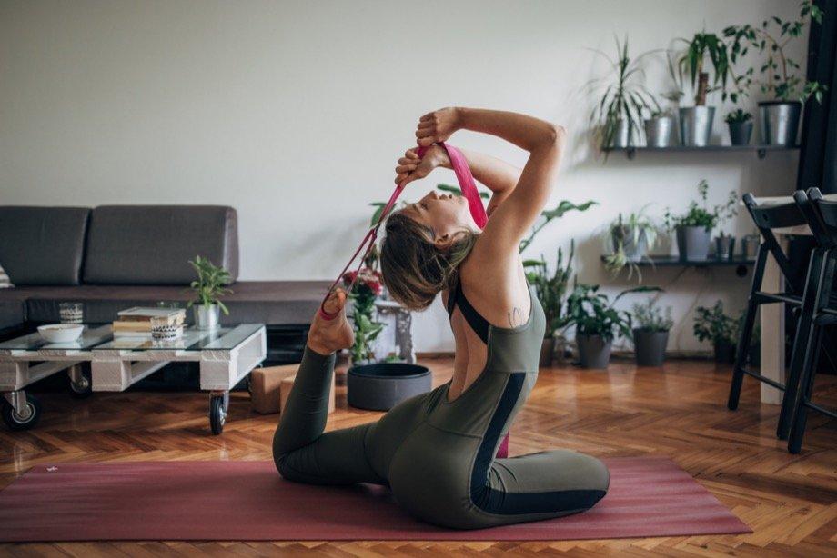 Какие аксессуары используют спортсмены: зачем нужны бинты для бокса, баффы для бега и ремень для йоги