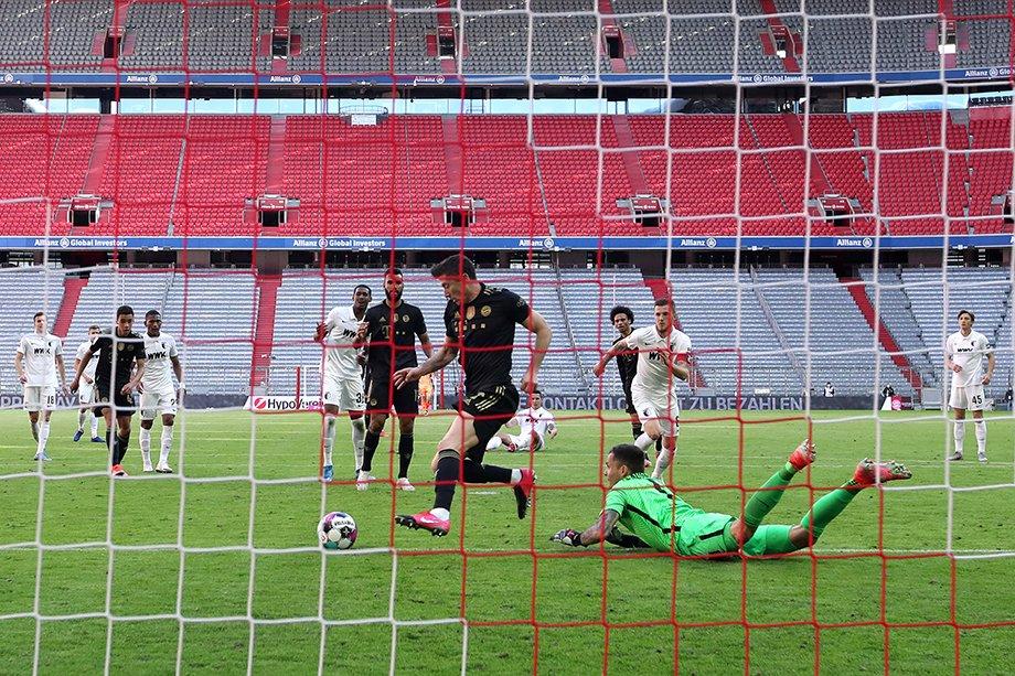 Левандовски вошёл в историю Бундеслиги! Как поляк забил рекордный гол