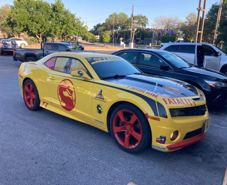 Автомобиль Скорпиона. Фанат Mortal Kombat прокачал машину в стиле культовой игры