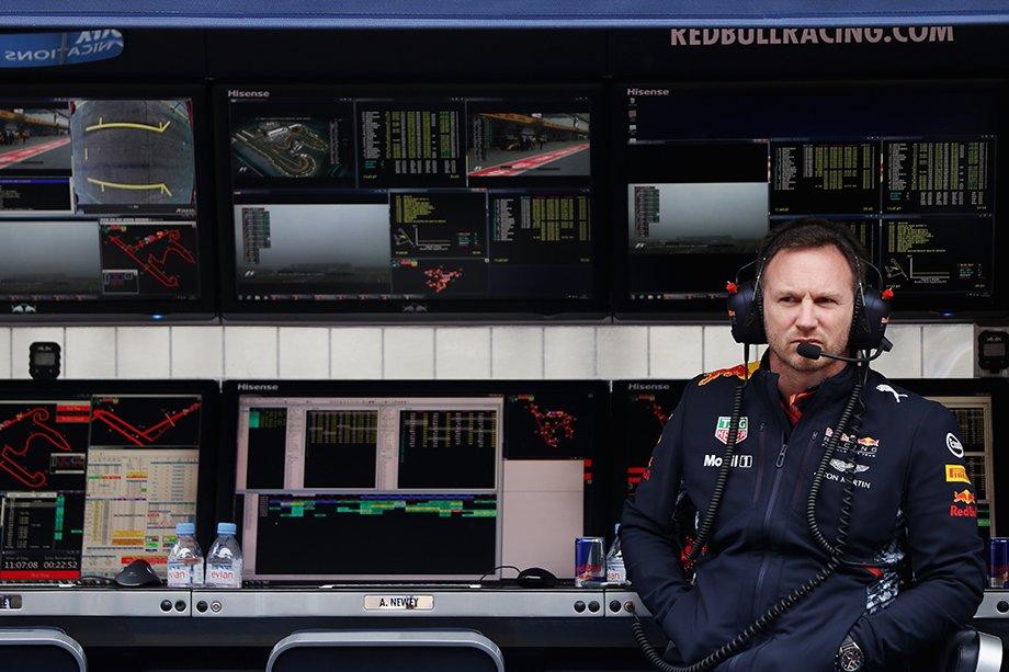Как устроены командные мостики Формулы-1 и почему на них нельзя садиться на чужое место?