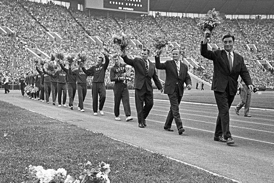 Первыми чемпионами были наши! Кто и как придумал Евро