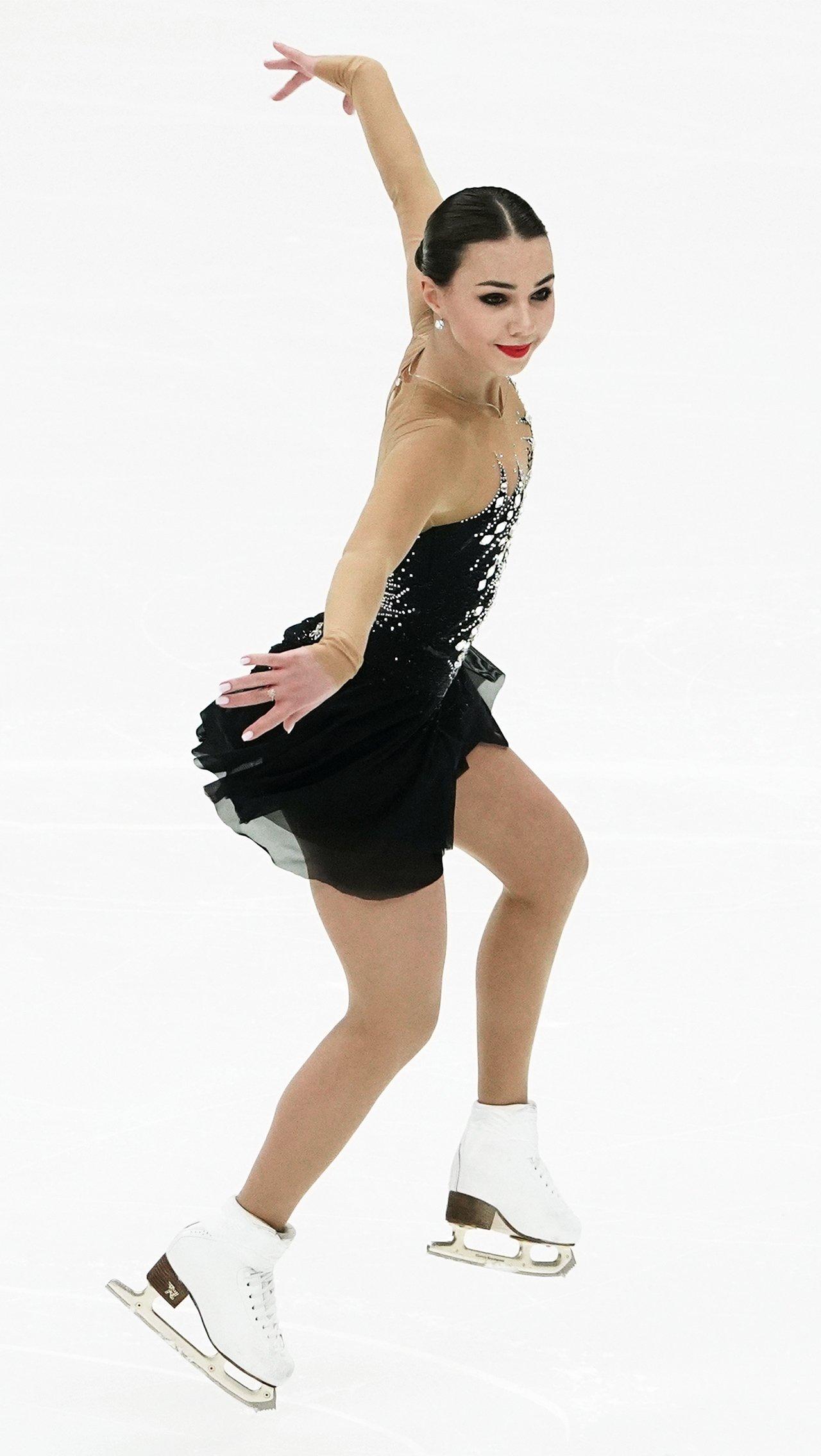 В резервный состав вошла и Елизавета Нугуманова. Фигуристка становилась третьей среди взрослых на чемпионате России и занимала пятое место на Гран-при Москвы.