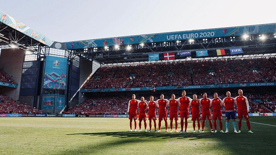 Дания играет дома все три матча, а Россия — два. Почему так?