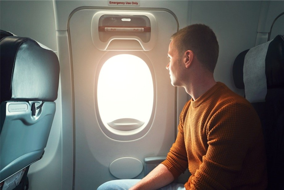 Необычные случаи в самолётах: что может произойти на борту