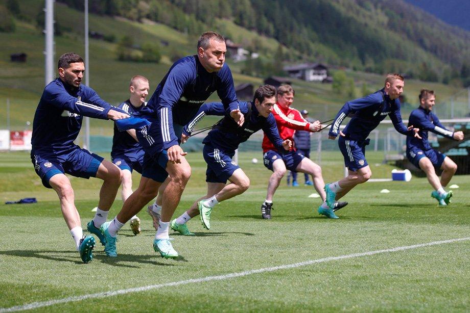 Вокруг сборной перед Евро непривычно тихо. Нет ожиданий = нет проблем?