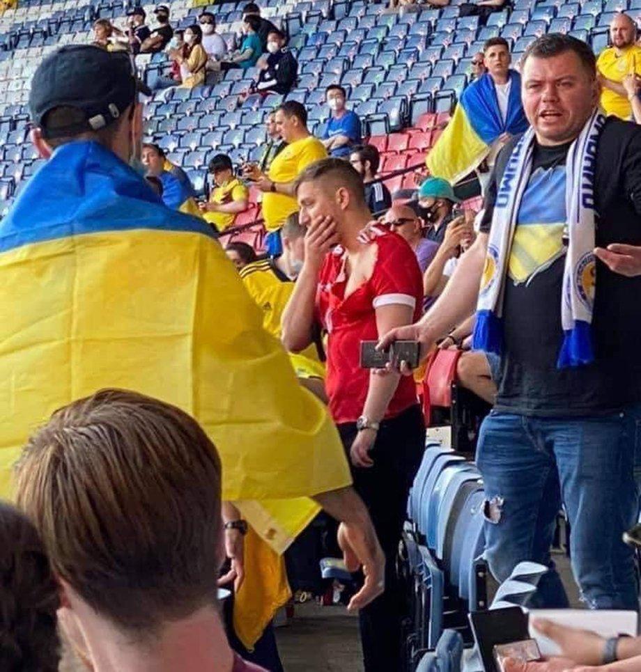 «Больше не братья?» На российского болельщика напали на матче сборной Украины