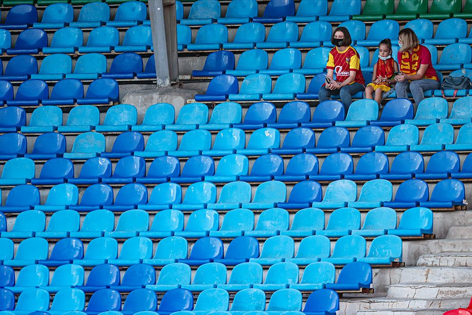 Россия вроде бы победила ковид, но на дерби пустят лишь тысячу зрителей?