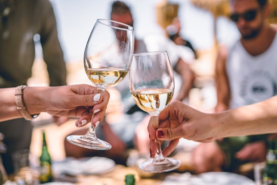 Чем полезно вино, зачем каждый день пить один бокал вина, правда ли вино полезно
