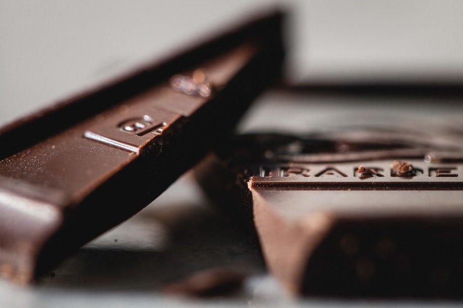 Польза горького шоколада, кому стоит есть тёмный шоколад