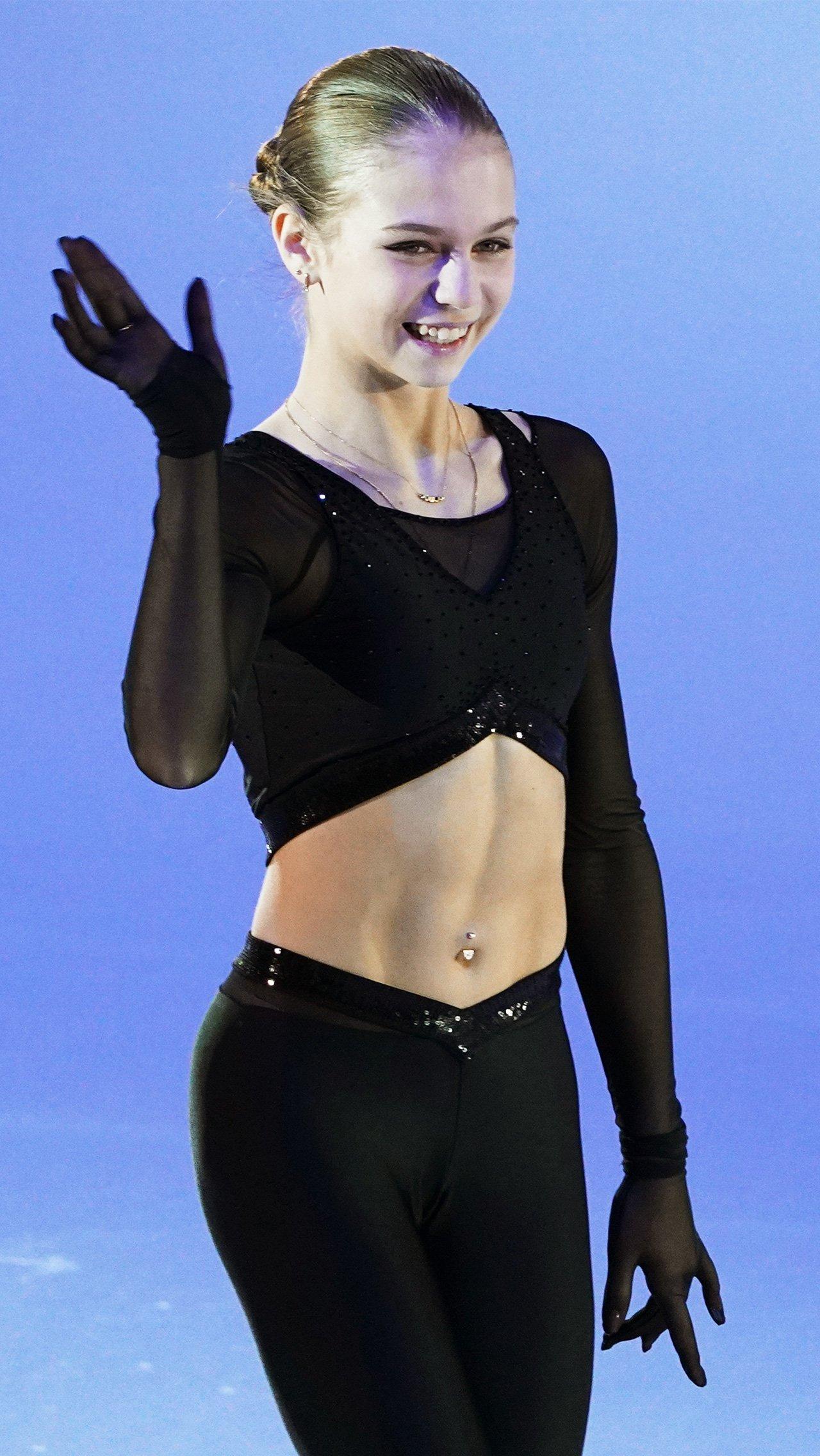 Одной из главных звёзд сезона была и Александра Трусова. Саша выиграла бронзу чемпионатов России и мира.