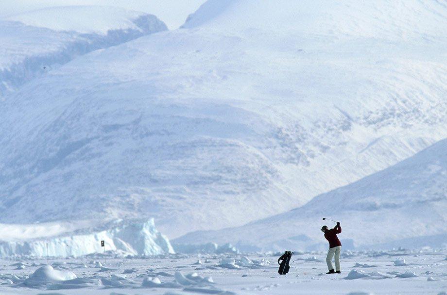 Ледник в Гренландии, где можно сыграть в гольф