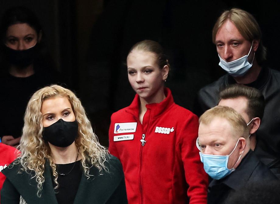 Конфликт в фигурном катании: Тутберидзе резко отреагировала на заявление своего начальника о фигуристке Трусовой