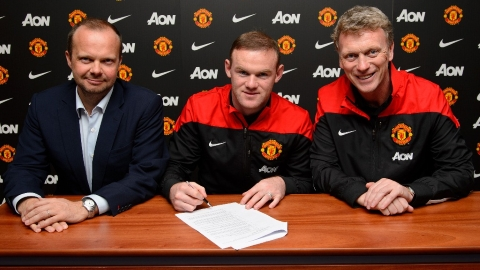 """Манчестер Юнайтед"" объявил о продлении контракта с Руни на четыре года"