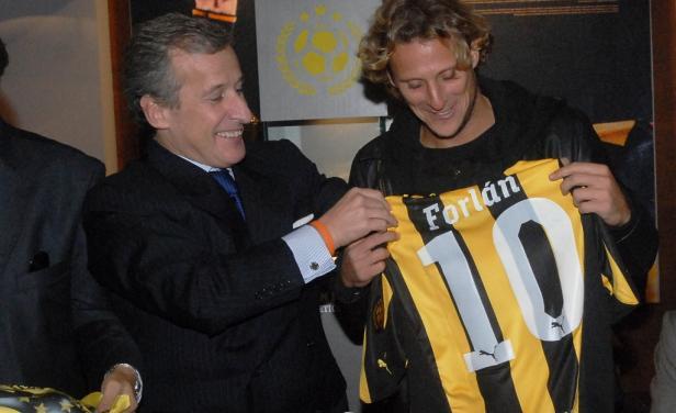 Форлан продолжит карьеру в «Пеньяроле»