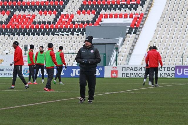Поле стадиона «Звезда» Перми готово к матчу «Амкар» — «Динамо»