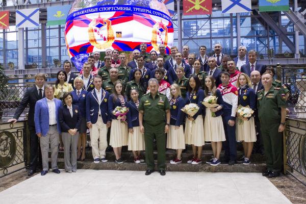 Героев летней Олимпиады вРио-де-Жанейро поздравил министр обороны Сергей Шойгу