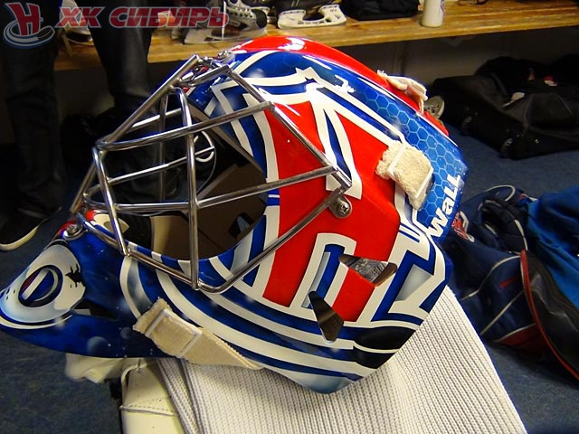 Брюклер представил свой новый шлем - Чемпионат: http://www.championat.com/hockey/news-1244711-brjukler-predstavil-svoj-novyj-shlem.html