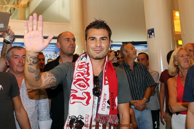 Муту прибыл в Аяччо для подписания контракта