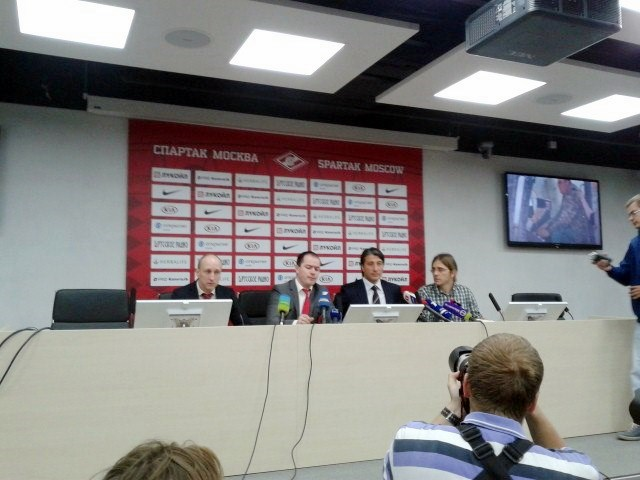 Первая пресс-конференция Мурата Якина
