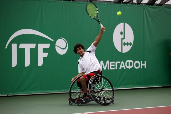 Турнир по теннису на колясках