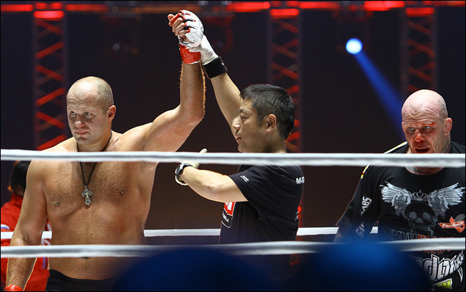 M-1 Global: Фёдор Емельяненко победил Джеффа Монсона (81 ФОТО).